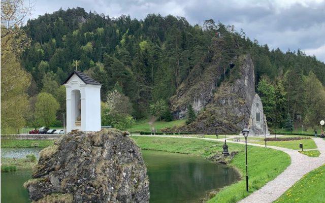 Zrúcanina hradu a kaštiel Liptovský Hrádok 2020-05-18 o 15.15.09